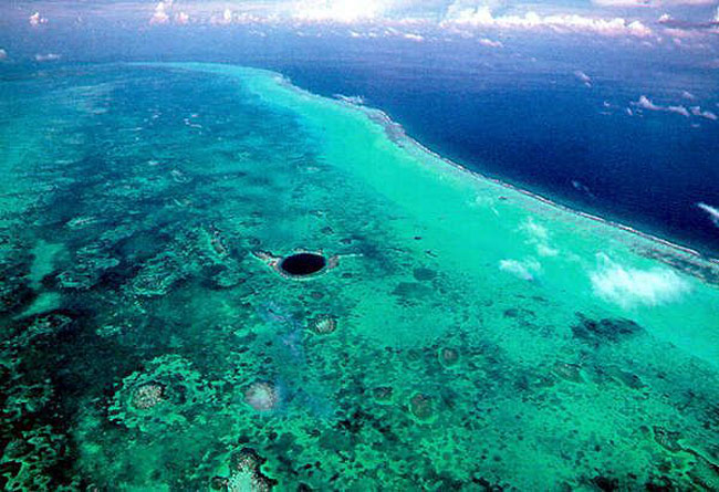 Great Blue Hole, Белиз.